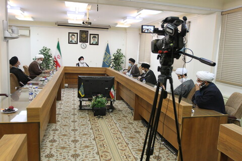 تصاویر/ دیدار هئیت رئیسه مجمع نمایندگان طلاب با اعضای شورای عالی حوزه