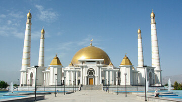 Turkmenistan closes mosques temporarily