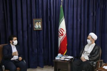 بالصور/ رئيس المجلس الأعلى للمحافظات الإيرانية يلتقي بآية الله الأعرافي بقم المقدسة