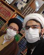 امام جمعهای که کامنتها و دایرکتها را میخواند و جواب میدهد