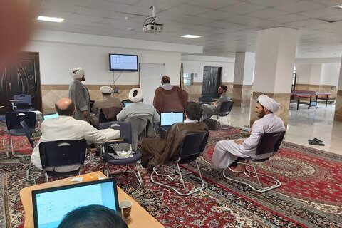 ورشة تعليمية وبحثية في حوزة محافظة كرمانشاة العلمية