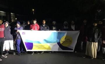 جوانان مسلمان مالاوی به نگهبانان بیبضاعت پتو و لباس گرم دادند + تصاویر