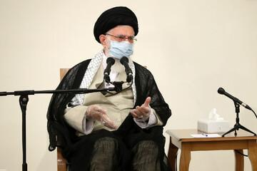 الامام الخامنئي: الجمهورية الإسلاميّة تريد عراقاً عزيزاً ومستقلاًّ يتمتّع بالسيادة والانسجام الداخلي