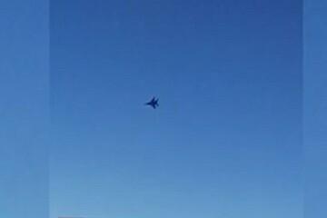 فیلم | تعرض جنگنده متخاصم به هواپیمای مسافری ماهان