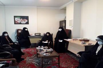 مردم در موضوع حجاب و عفاف از مسئولان مطالبه گری کنند