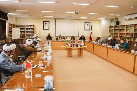 ندوة تخصيصة لمديري أقسام البحوث لحوزة أصفهان العلمية