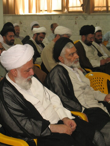 تصاویر آرشیوی از دیدار روحانیون مستقر در سپاه با آیت الله حسینی بوشهری در مرداد ماه ۱۳۸۵