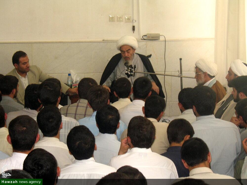 تصاویر آرشیوی از دیدار مردمی مرحوم آیت الله العظمی فاضل لنکرانی در مرداد ماه ۱۳۸۵
