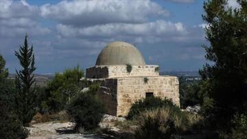 اسرائیل مساجد را به میکده و کنیسه تبدیل میکند