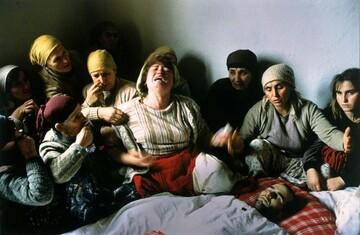 مراسم عزاداری برای کشته شده استقلال کوزوو از قاب دوربین
