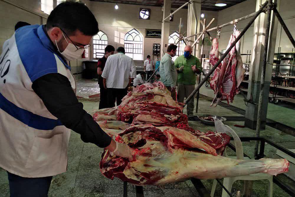 تصاویر/ تهیه و توزیع گوشت قربانی در ابرکوه