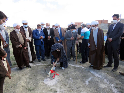 تصاویر/ آئین کلنگ زنی ساختمان جدید حوزه علمیه شیروان