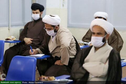 بالصور/ ندوة لأساتذة مدرسة المهدي الموعود (عج) العلمية بقم المقدسة