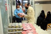 تصاویر/ آغاز مرحله ششم  توزیع ۲۵۰۰ بسته معیشتی و لوازم التحریر توسط جمعیت خدمترسانی فاطمیها