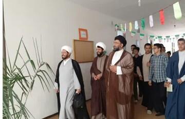 بازدید مدیرمدرسه علمیه دارالحکمه تهران از مدرسه امام رضا(ع) آبیک