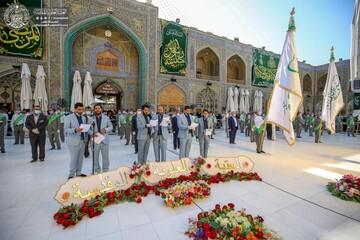 """پرچم """"منکنتمولاهفهذاعلی مولاه"""" در حرم امیرالمؤمنین (ع) برافراشته شد+ تصاویر"""