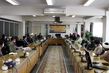 تصاویر / نشست ارائه طرح کلینیک فرهنگی اجتماعی ناصرین در همدان