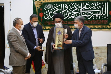 """بالصور/ مراسيم اختيار مدينة قم كـ """"عاصمة ثقافة مساجد إيران وفنها"""""""