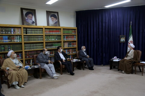 تصاویر / دیدار رئیس کمیته امداد امام خمینی (ره) با آیت الله اعرافی