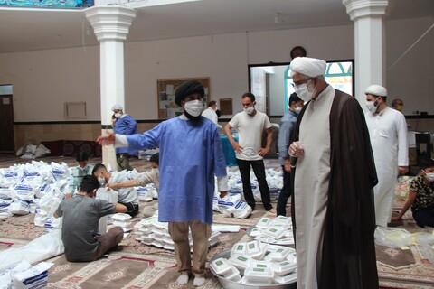 تصاویر/  طبخ و توزیع  ۱۴۰۰۰ پرس غذا در مهرگان قزوین