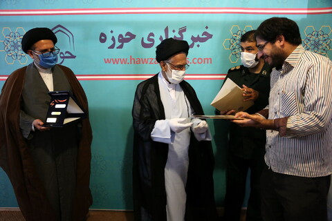 بازدید حجت الاسلام والمسلمین اکبری نماینده ولی فقیه در سپاه قم از خبرگزاری حوزه