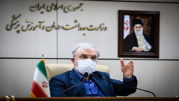 وزیر بهداشت بر اجرای پروتکلهای سختگیرانهتر در مبادی ورودی کشور تأکید کرد