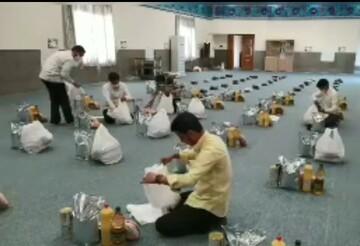 کلیپ   کمک مؤمنانه طلاب در قالب پویش مهر علوی در حاشیه شهر مشهد