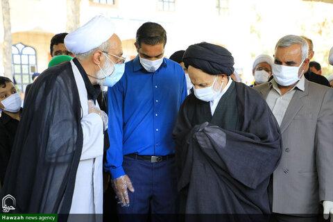 """بالصور/ إقامة صلاة الميت على جثمان آية الله """"رباني"""" أحد كبار علماء محافظة خراسان الجنوبية"""