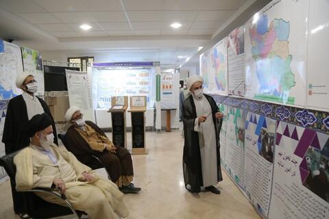 تصاویر/ بازدید آیت الله حسینی بوشهری از نمایشگاه دستآوردهای معاونت آموزش حوزه