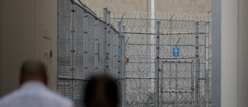 ICE detention centre feeds Muslim detainees pork and rotten halal food