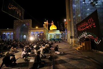 تصاویر/ حال و هوای حرم حضرت فاطمه معصومه(س) در شب سوم محرم