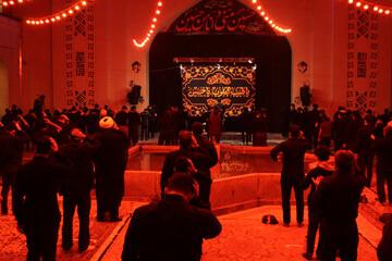 تصاویر/ عزاداران حسینی شب پنجم محرم در شهر همدان