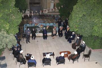 تصاویر/ نشست صمیمی رئیس سازمان تبلیغات با مبلغین قرارگاه تبلیغی عمار منصوریه شیراز