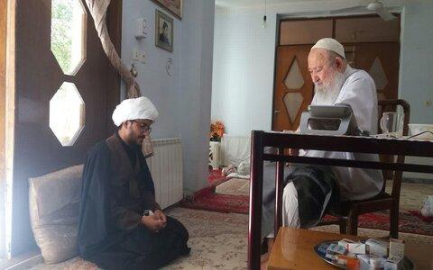 آیت الله سید عباس میریونسی، در دیدار حجت الاسلام پیام ملکی مدیر مدرسه علمیه حضرت ولی عصر(عج) کنگاور