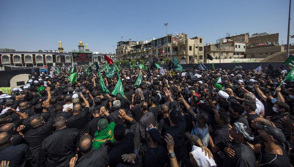 برگزاری عزای حسینی در روز عاشورا/ بین الحرمین کربلا