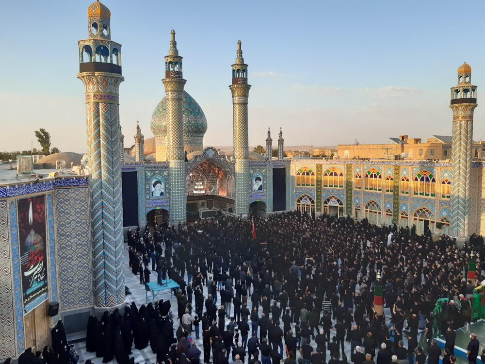 فیلم/ عزاداری عاشورای حسینی در حرم حضرت محمدهلال بن علی (ع) آران و بیدگل