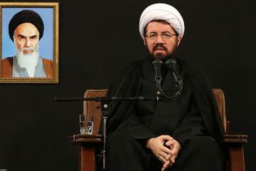 فیلم | سخنرانی حجت الاسلام والمسلمین عالی شب شام غریبان در حضور رهبر انقلاب