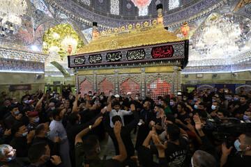 بالصور/ وسط اجراءات صحية، العتبة العسكرية المقدسة تحيي  ذكرى استشهاد الإمام الحسين عليه السلام
