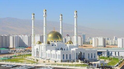 مساجد ترکمنستان تا ۱ ماه دیگر تعطیل خواهند بود