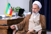 Head of the Islamic seminaries in Iran strongly condemned the evil act of burning the Qur'an