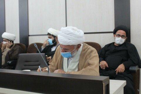 بالصور/ ندوة تخصصية للمثقفين والحوزيين في محافظة كردستان الإيرانية مع رئيس تخطيط أئمة جمعة البلاد