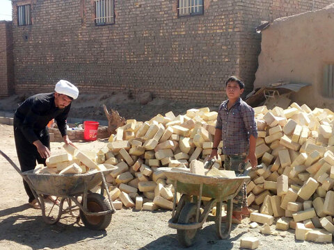 تصاویر/ ساخت دو باب منزل مسکونی برای نیازمندان توسط طلاب جهادی اسفراین