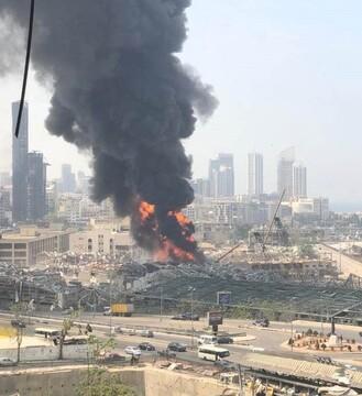 آتش سوزی  گسترده در بندر بیروت یک ماه بعد از انفجار