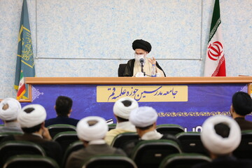 تصاویر/ نشست نمایندگان استانی دفتر اجتماعی سیاسی حوزه با آیت الله حسینی بوشهری