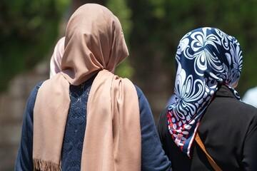 نشانه گیری دشمن بر روی هویت زن ایرانی / از نقش زنان در بیانیه گام دوم غفلت نشود
