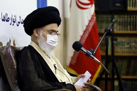 تصاویر/ مراسم آغاز سال تحصیلی جدید مدرسه عالی انوار طاها، آیت الله حسینی بوشهری