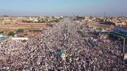 ویڈیو/ پاکستان کے شہر پشاور میں جمع غفیر، فرانسی میگزین چارلی ہیبڈو کے خلاف احتجاجی مظاہرہ