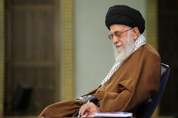 Ayatollah Khamenei offers condolences on passing away of Ayatollah Saanei