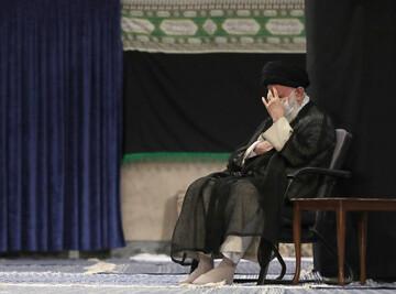 بالصور/ إقامة مجلس عزاء استشهاد الإمام السجاد (علیه السلام) بحضور الإمام الخامنئی