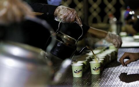 تصاویر/ پویش من عاشق محمد(ص)هستم درایستگاه صلواتی هیئت خادم الحسین